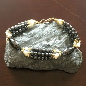Hematite and White Cultured Pearl Bracelet